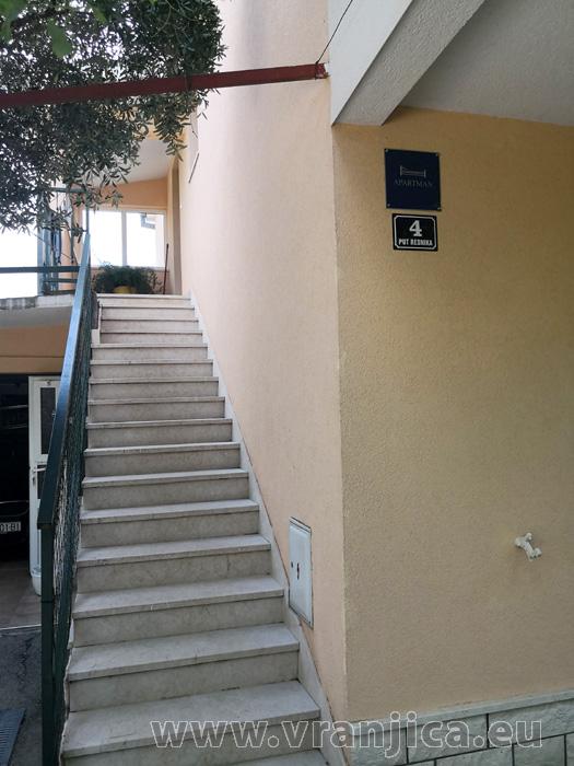https://www.vranjica.eu/produkty_fotogalerie/apartman-bijelic1577997385L.jpg