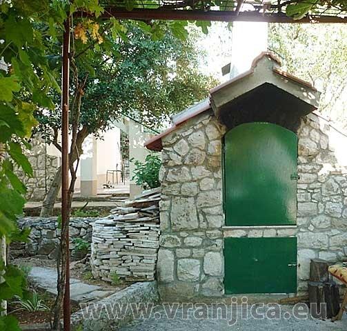 https://www.vranjica.eu/produkty_fotogalerie/apartman-bruna-okrug-gornji-v-5571.jpg