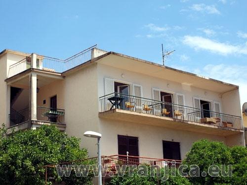 https://www.vranjica.eu/produkty_fotogalerie/apartman-capt-krzanic1576485742L.jpg