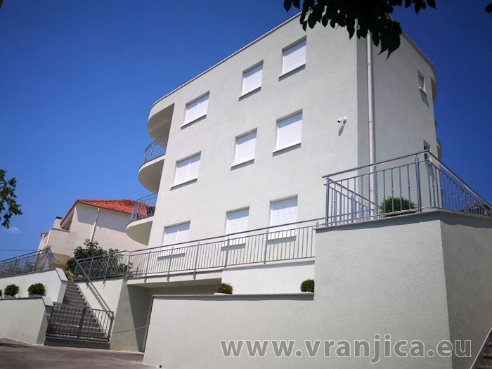 https://www.vranjica.eu/produkty_fotogalerie/apartman-kristo-v-7701.jpg