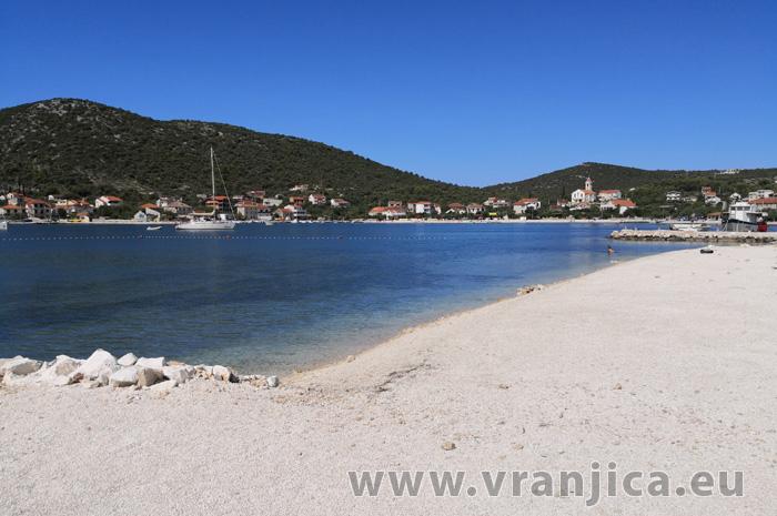 https://www.vranjica.eu/produkty_fotogalerie/apartman-marin1581666041L.jpg