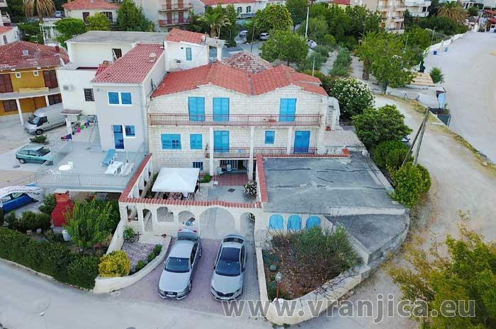 https://www.vranjica.eu/penziony/apartman-vera1573138225L.jpg
