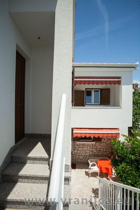 https://www.vranjica.eu/produkty_fotogalerie/apartman-visnja-v-6940.jpg