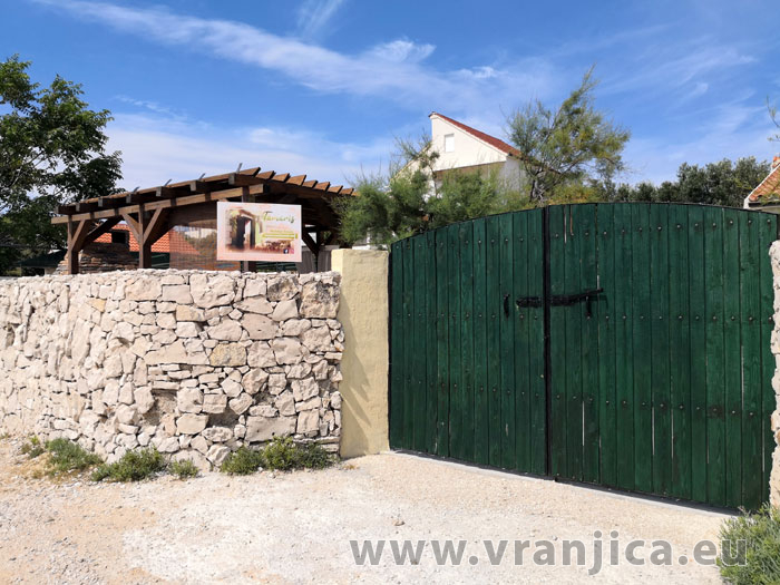 https://www.vranjica.eu/produkty_fotogalerie/vila-tamaris1582728449L.jpg
