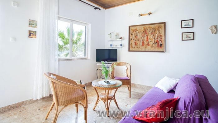 https://www.vranjica.eu/pokoje/apartman-amarela-ap1-4-2--v-6974.jpg