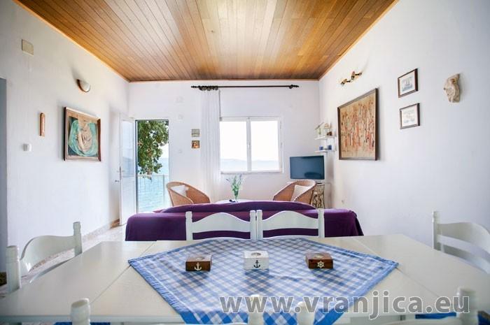 https://www.vranjica.eu/pokoje/apartman-amarela-ap1-4-2--v-6975.jpg