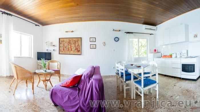 https://www.vranjica.eu/pokoje/apartman-amarela-ap1-4-2--v-6976.jpg