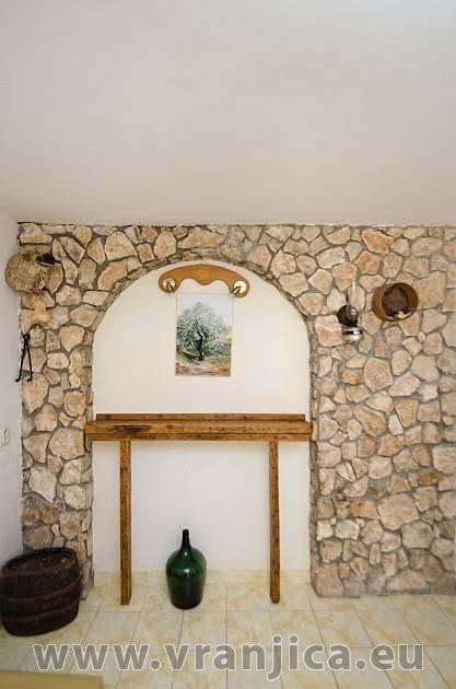 https://www.vranjica.eu/pokoje/apartman-anica-ap1-2--v-5676.jpg