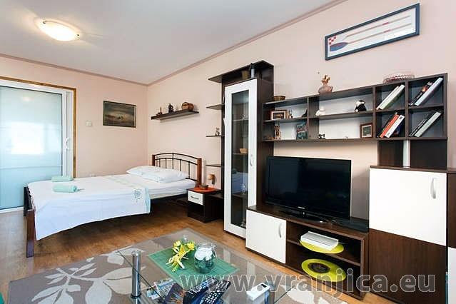 https://www.vranjica.eu/pokoje/apartman-armanda-ap1-4--v-3696.jpg