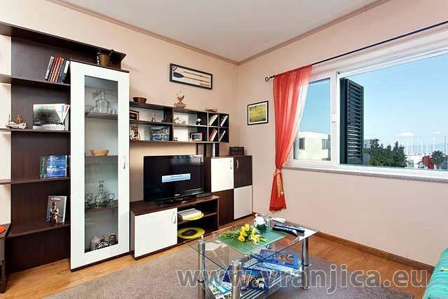 https://www.vranjica.eu/pokoje/apartman-armanda-ap1-4--v-3698.jpg