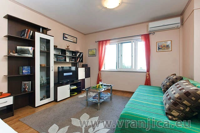 https://www.vranjica.eu/pokoje/apartman-armanda-ap1-4--v-3699.jpg