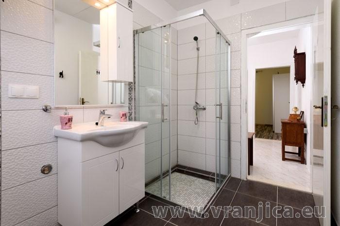 https://www.vranjica.eu/pokoje/apartman-bagattino-ap1-5--v-7515.jpg