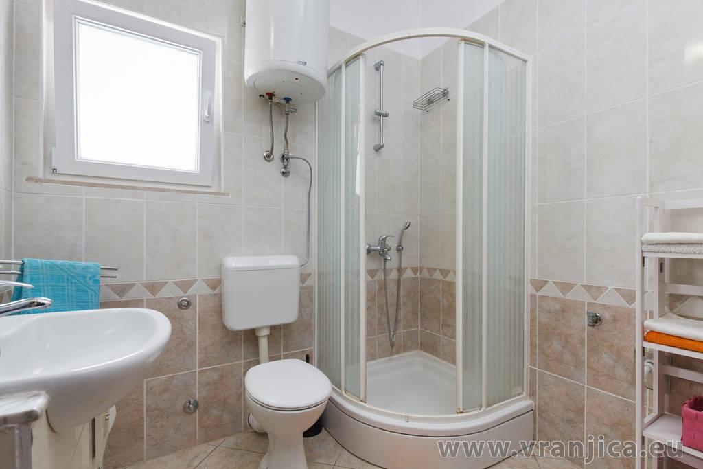 https://www.vranjica.eu/pokoje/apartman-bijelic-ap1-3-1-1577998804L.jpg