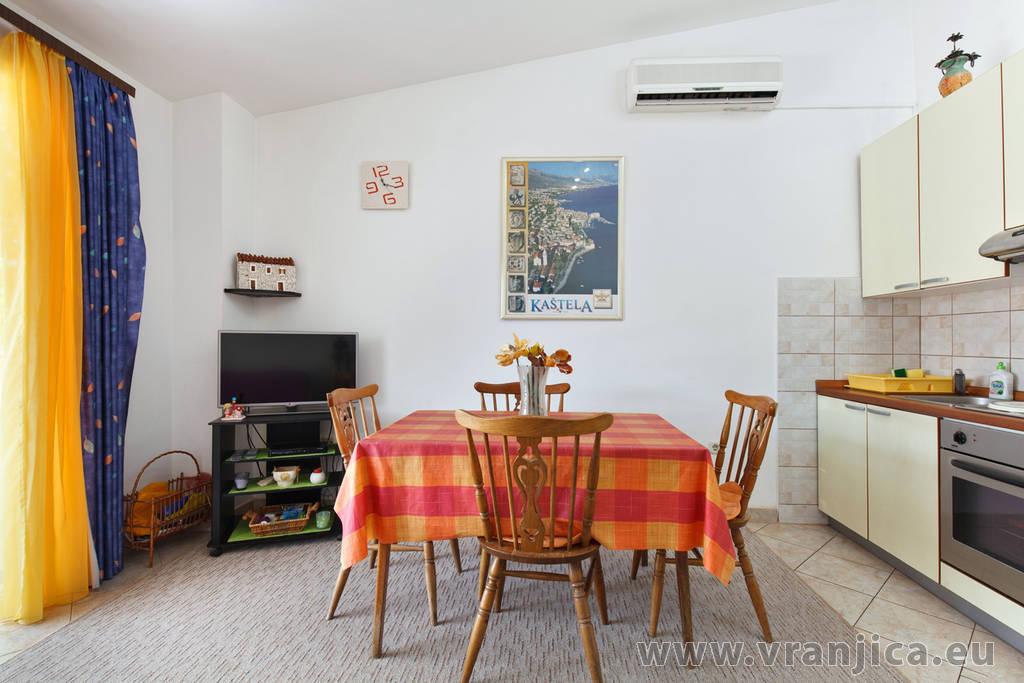 https://www.vranjica.eu/pokoje/apartman-bijelic-ap2-4-2-1577999951L.jpg