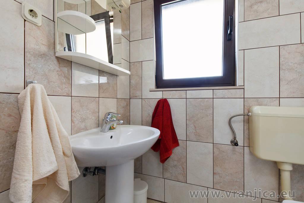 https://www.vranjica.eu/pokoje/apartman-bijelic-ap2-4-2-1578000049L.jpg