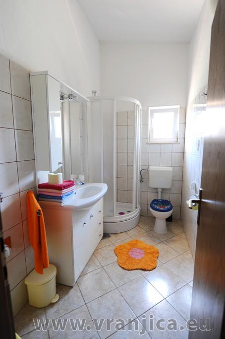 https://www.vranjica.eu/pokoje/apartman-bijelic-ap2-4-2-1578000433L.jpg