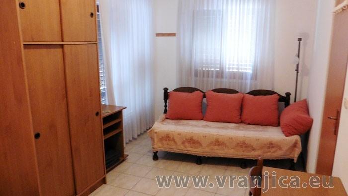 https://www.vranjica.eu/pokoje/apartman-bosa-ap1-2-2--v-4483.jpg