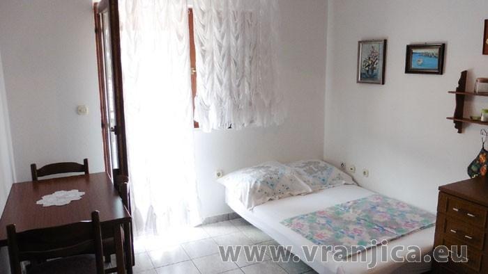 https://www.vranjica.eu/pokoje/apartman-bosa-ap1-2-2--v-4486.jpg