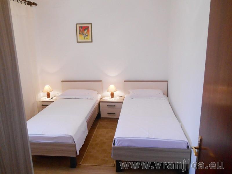 https://www.vranjica.eu/pokoje/apartman-bozo-ap1-4--v-5155.jpg