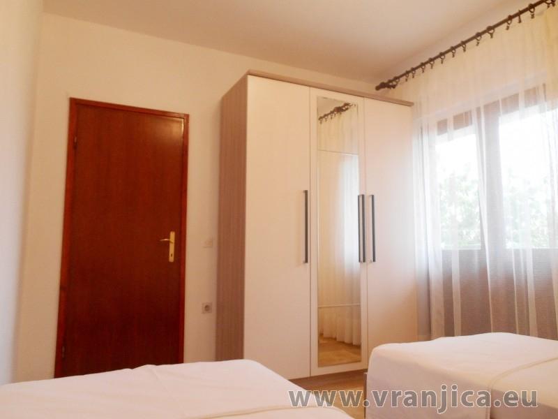 https://www.vranjica.eu/pokoje/apartman-bozo-ap1-4--v-5156.jpg