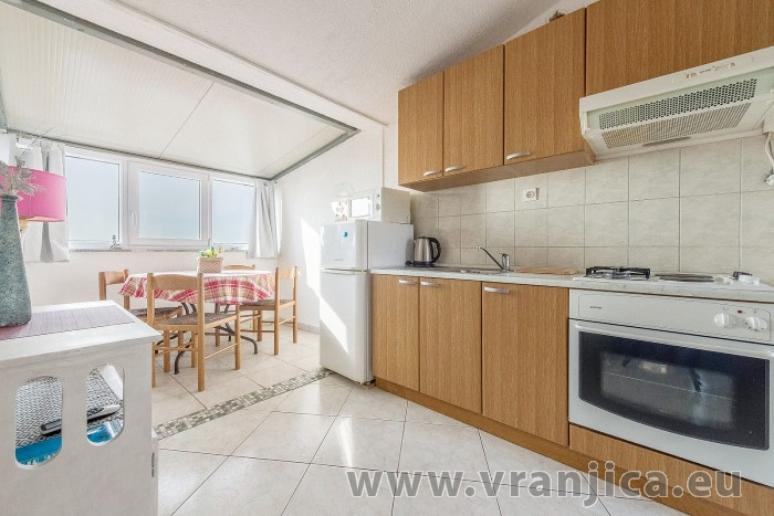 https://www.vranjica.eu/pokoje/apartman-branko-ap3-4-1602864883L.jpg