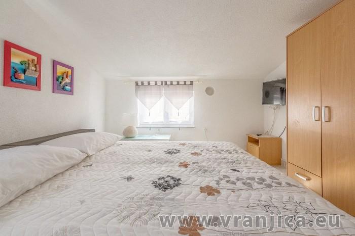 https://www.vranjica.eu/pokoje/apartman-branko-ap3-4-1602864892L.jpg
