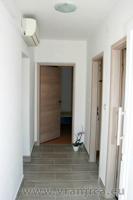 https://www.vranjica.eu/pokoje/apartman-bruna-gornji-okrug-ap1-4-1--v-5578.jpg