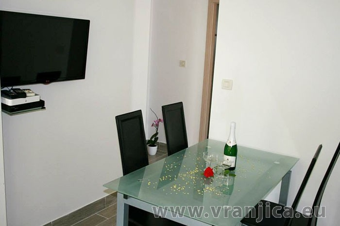 https://www.vranjica.eu/pokoje/apartman-bruna-gornji-okrug-ap1-4-1--v-5579.jpg