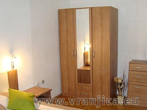 https://www.vranjica.eu/pokoje/apartman-bruna-gornji-okrug-ap2-4--v-5591.jpg