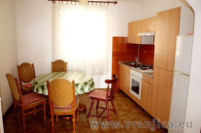 https://www.vranjica.eu/pokoje/apartman-capt-krzanic-ap1-6--v-4911.jpg