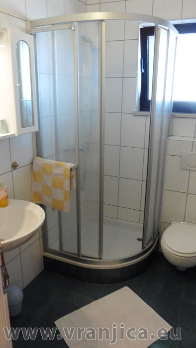 https://www.vranjica.eu/pokoje/apartman-danijel-ap6-2-2--v-4875.jpg