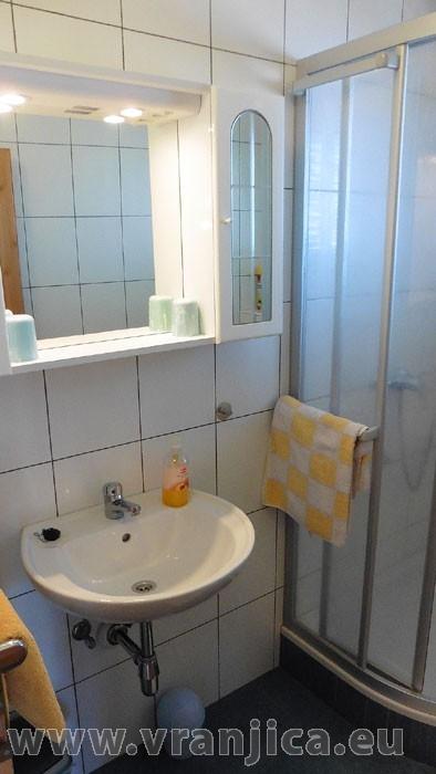 https://www.vranjica.eu/pokoje/apartman-danijel-ap6-2-2--v-4876.jpg