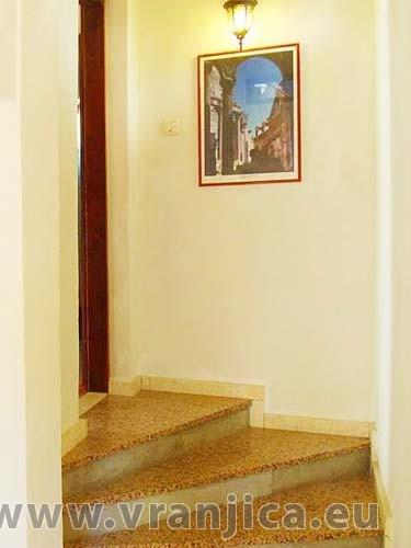 https://www.vranjica.eu/pokoje/apartman-dhd-gornji-okrug-ap1-5--v-3890.jpg