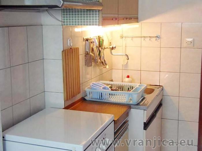 https://www.vranjica.eu/pokoje/apartman-dhd-gornji-okrug-ap1-5--v-3894.jpg