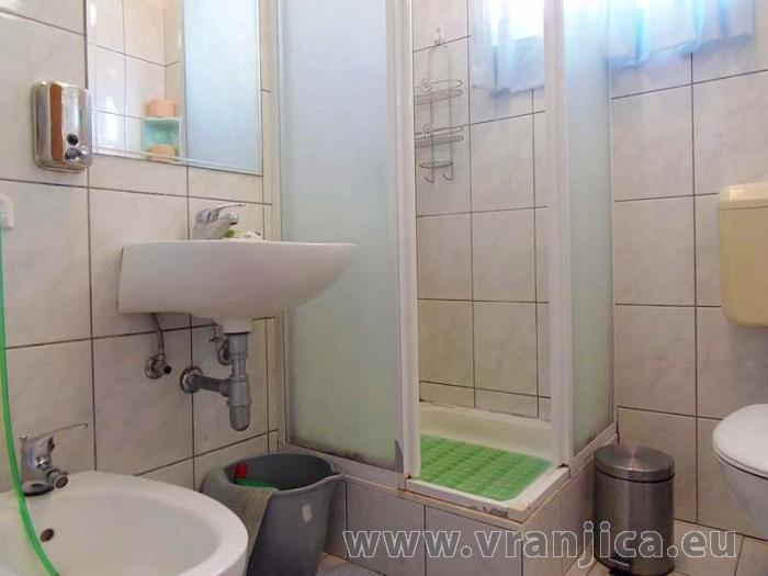 https://www.vranjica.eu/pokoje/apartman-dhd-gornji-okrug-ap1-5--v-3896.jpg