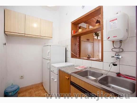 https://www.vranjica.eu/pokoje/apartman-dhd-okrug-gornji-ap2-2-1--v-3900.jpg