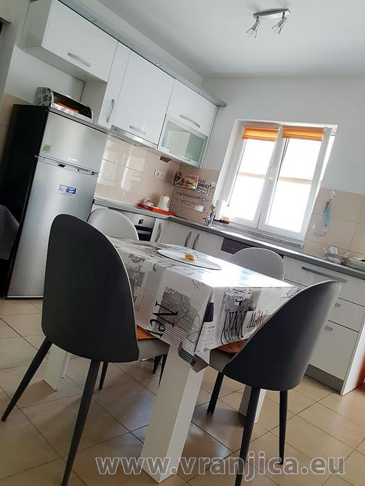 https://www.vranjica.eu/pokoje/apartman-djurdica-ap3-studio-2-1-1582058383L.jpg