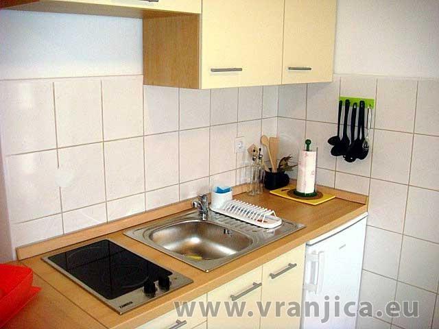 https://www.vranjica.eu/pokoje/apartman-domina-bol-ap1-2-1--v-2820.jpg