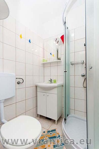 https://www.vranjica.eu/pokoje/apartman-domina-bol-ap1-2-1--v-2823.jpg