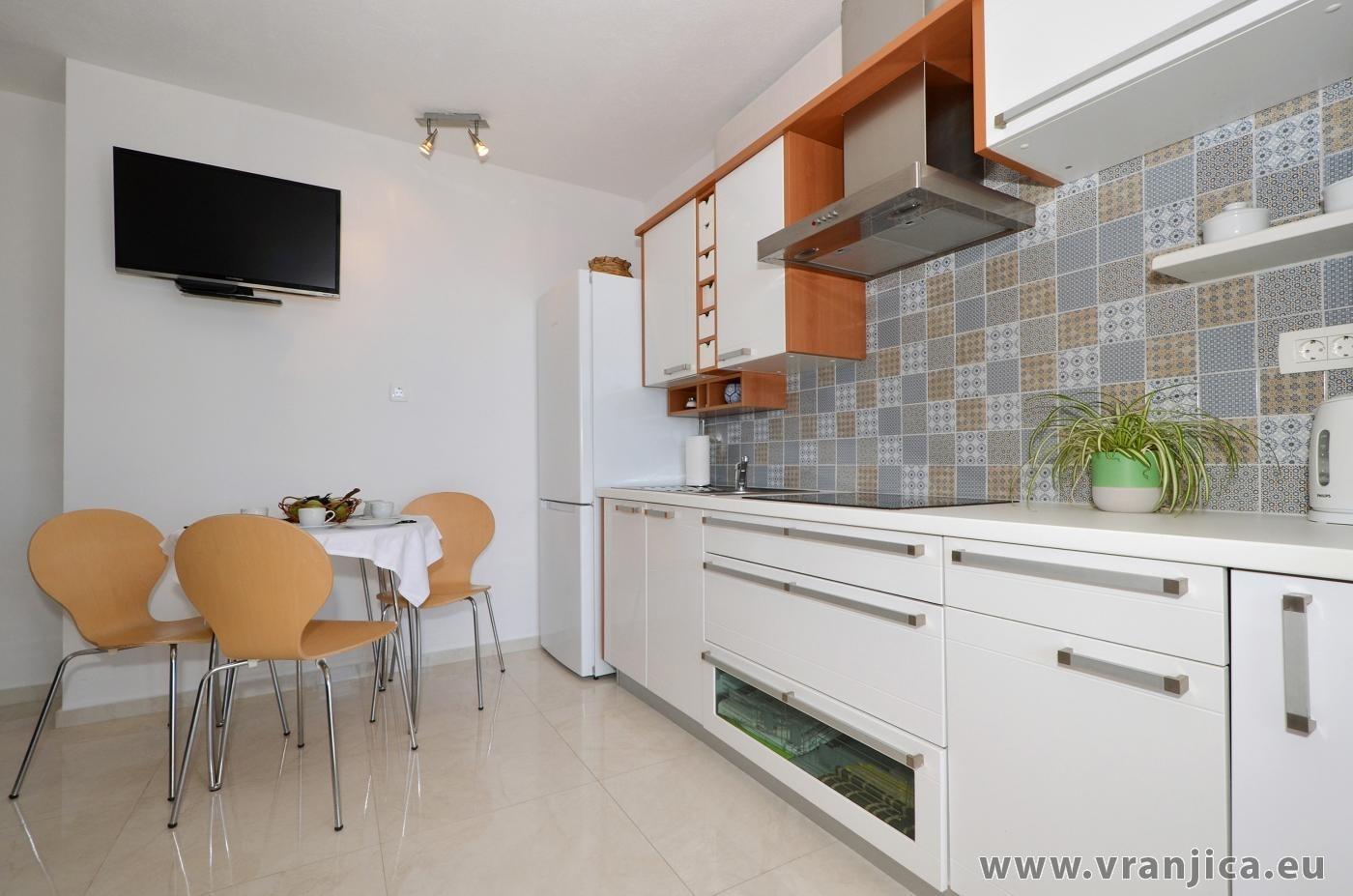 https://www.vranjica.eu/pokoje/apartman-inge-ap2-4-1-1572992290L.jpg