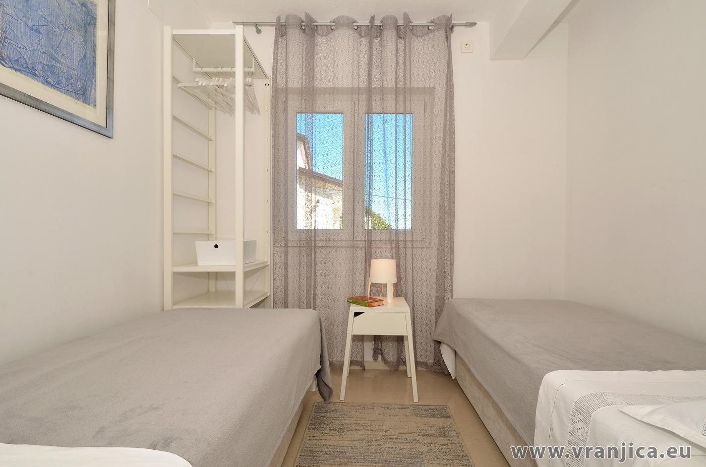 https://www.vranjica.eu/pokoje/apartman-inge-ap2-4-1-1572992363L.jpg