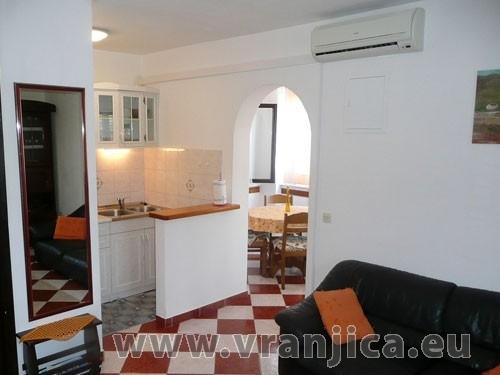 https://www.vranjica.eu/pokoje/apartman-ingrid-ap1-4--v-2135.jpg