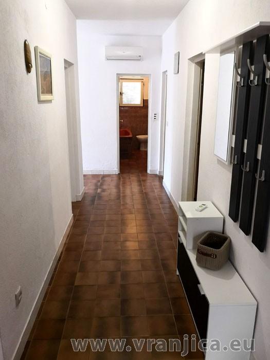 https://www.vranjica.eu/pokoje/apartman-ivan-vinisce-ap1-7--v-7669.jpg