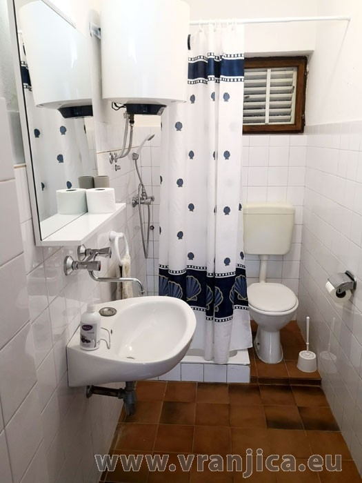 https://www.vranjica.eu/pokoje/apartman-ivan-vinisce-ap1-7--v-7675.jpg