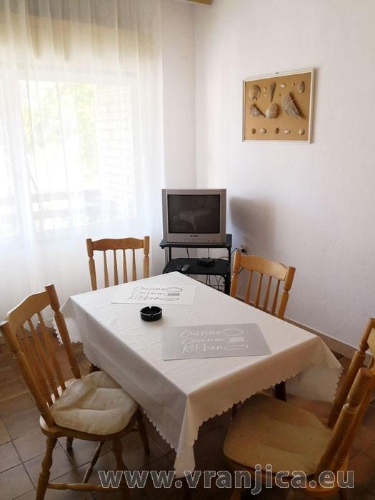 https://www.vranjica.eu/pokoje/apartman-ivan-vinisce-ap1-7--v-7680.jpg