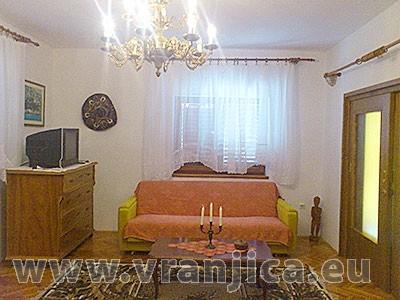 https://www.vranjica.eu/pokoje/apartman-ivana-slatine-ap1-6-1--v-4976.jpg