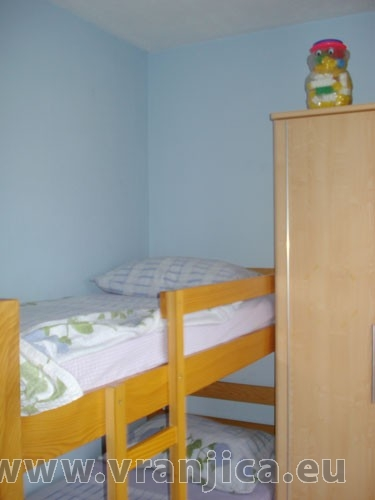 https://www.vranjica.eu/pokoje/apartman-ivana-slatine-ap2-4--v-4982.jpg