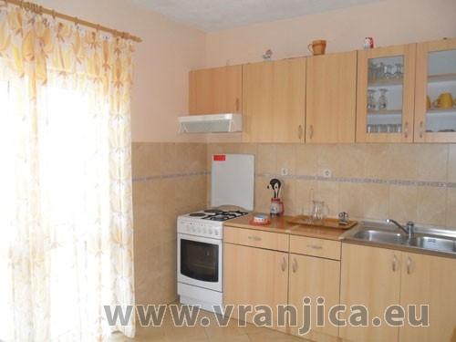 https://www.vranjica.eu/pokoje/apartman-ivana-slatine-ap3-4--v-4986.jpg