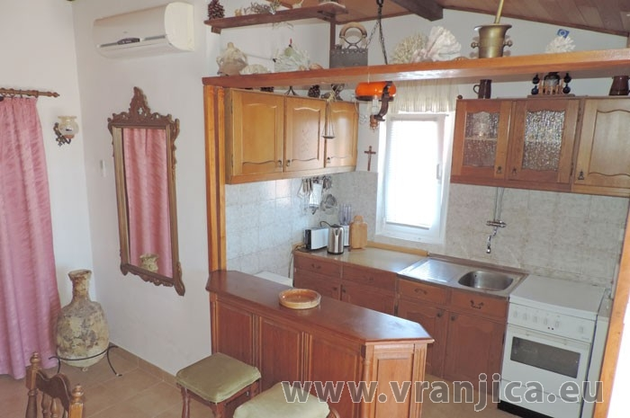 https://www.vranjica.eu/pokoje/apartman-jahoda-ap1-4-1--v-6594.jpg
