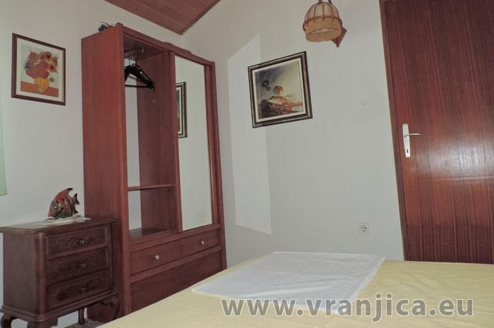 https://www.vranjica.eu/pokoje/apartman-jahoda-ap1-4-1--v-6597.jpg